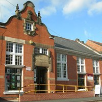 Phto of Knighton Library on Clarendon Park Road