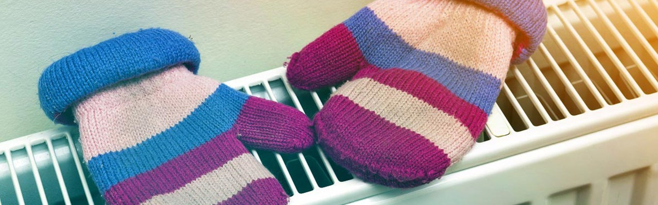 Gloves-wooly-on-radiator-dreamstime_xxl_1200x800